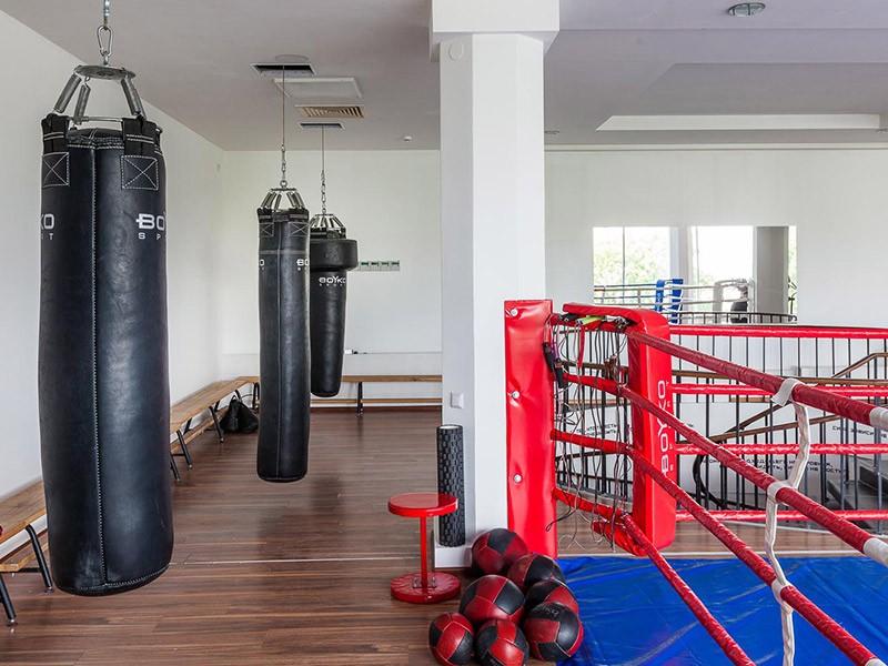 Груши для бокса и кикбоксинга в фитнес-клубе GYMBOX