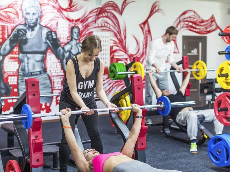 Тренеры – высококлассные специалисты и действующие спортсмены.